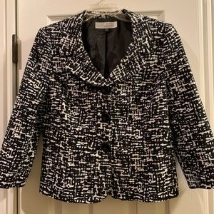 Tahari blazer. Like New.